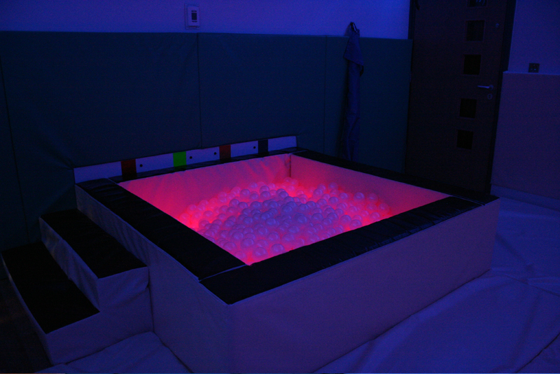 interactive colour changing sensory ball pool